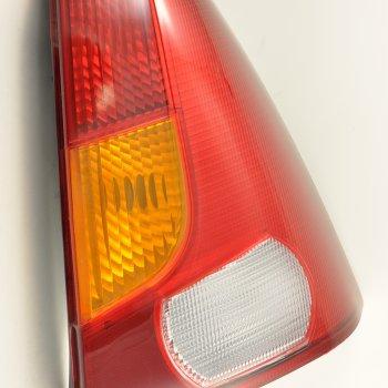 Фонарь задний Renault Logan (2004->), правый, желтый поворотн. Cartronic CTR0108726 (ref.6001546795)