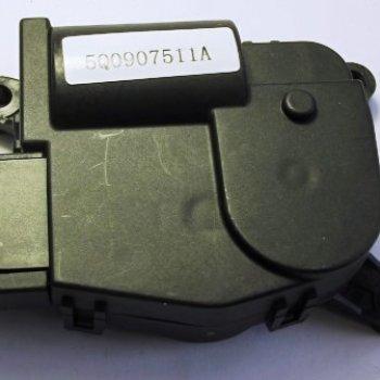 Моторедуктор заслонки отопителя Cartronic CRTR0122100 Ref.5Q0907511A