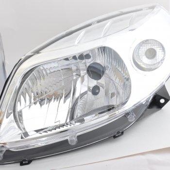 Фара Renault Sandero (2008-2014), левая Cartronic CRTR0108722 Ref.8200733878 / RS-579-201)
